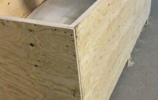 Крупная упаковка мебели и личных вещей, процесс